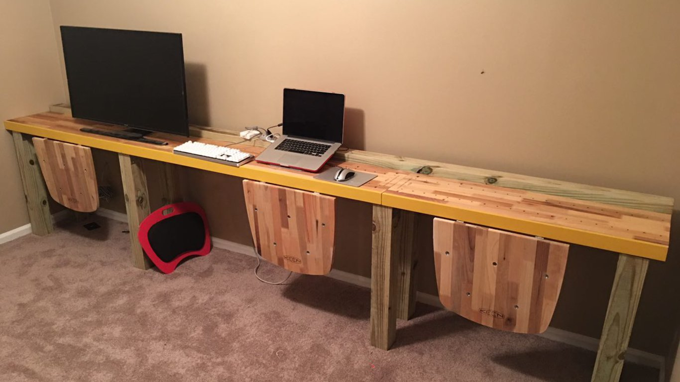 Gallery image of 12 feet of Reclamation Workstation